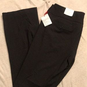 NWT- Elle bootcut pants size 16